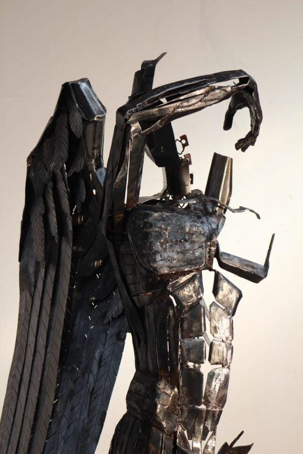 Unglaubliche Skulptur von Illgar Engel kopfansicht