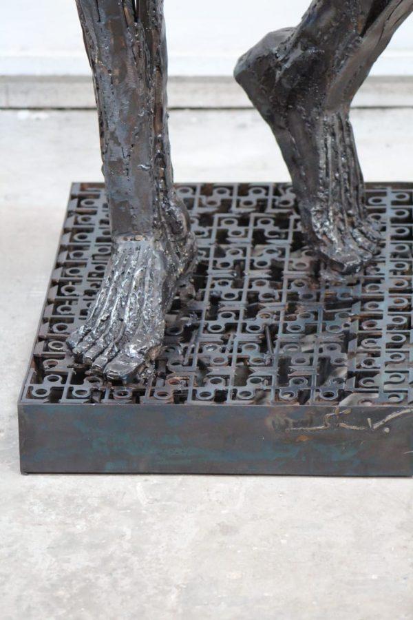 Unglaubliche Skulptur von Illgar Engel füße